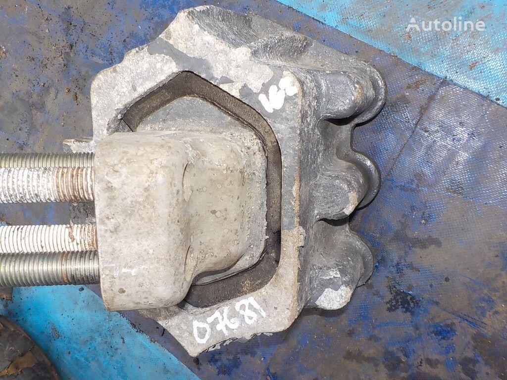 konzola motora IVECO Opora dvigatelya zadnyaya za kamiona IVECO