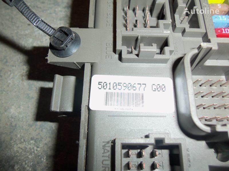 kutija s osiguračima RENAULT central electrical box, fuse box, 7421169993; 742107 za tegljača RENAULT Premium DXI