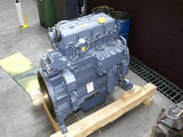 motor DEUTZ BF4M1013EC za druge građevinske opreme DEUTZ