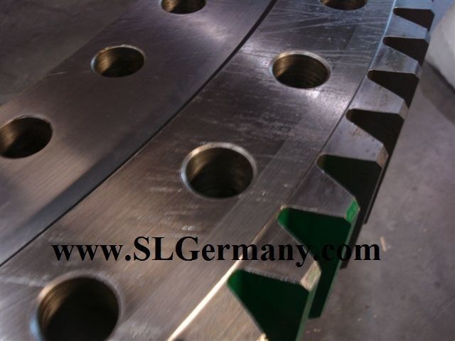 novi okretni prsten DEMAG slewing ring, bearing, turntable za pokretne dizalice DEMAG AC 95, 155, 205, 265, 50, 80, 100, 200.
