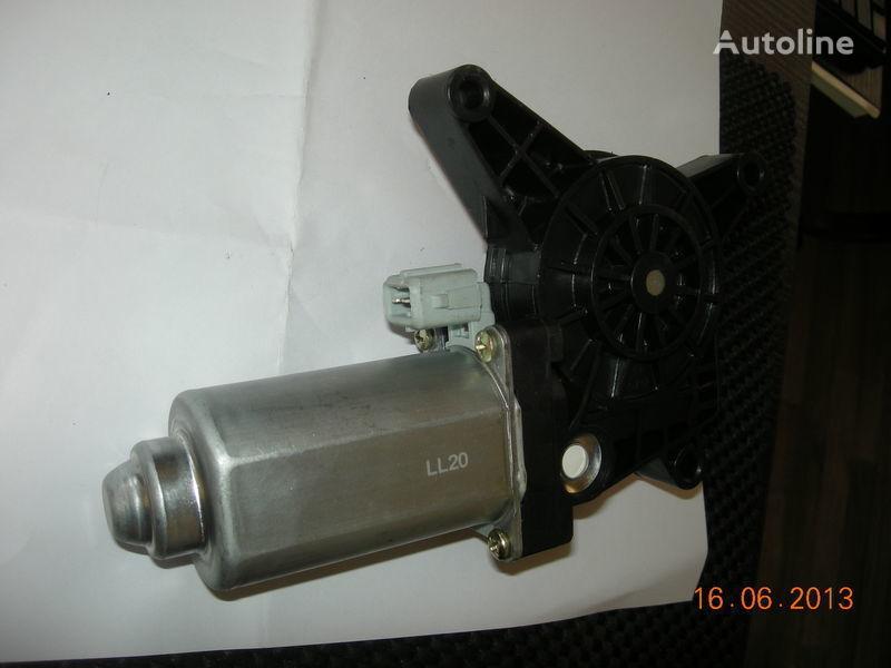 novi podizač stakla  dvigatel steklopodemnika ACTROS 0008202808 0008204908 za tegljača MERCEDES-BENZ