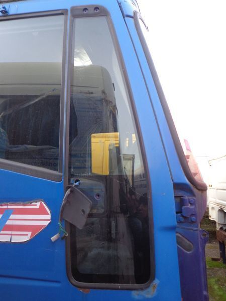 prozorsko okno  nepodemnoe za tegljača IVECO EuroStar, EuroTech