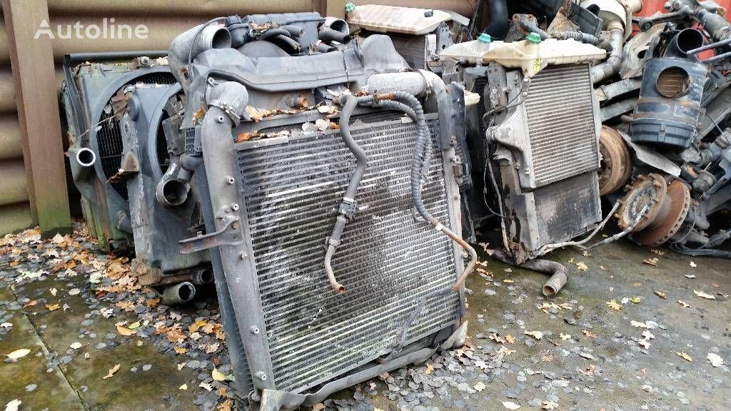 radijator za hlađenje motora MERCEDES-BENZ 1840 za kamiona MERCEDES-BENZ 1840