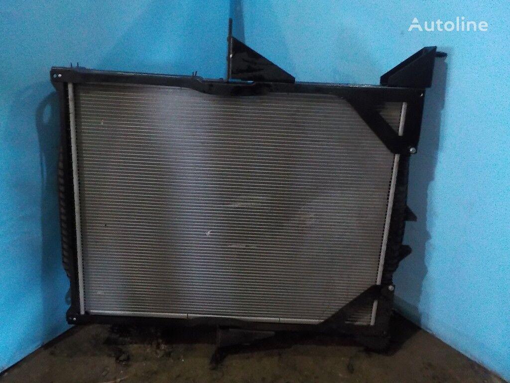 radijator za hlađenje motora  NISSENS za kamiona VOLVO