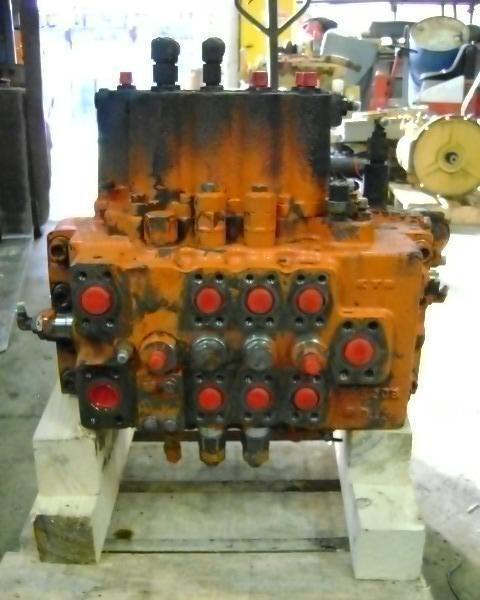razvodnik paljenja FIAT-HITACHI za bagera FIAT-HITACHI FH 200.3
