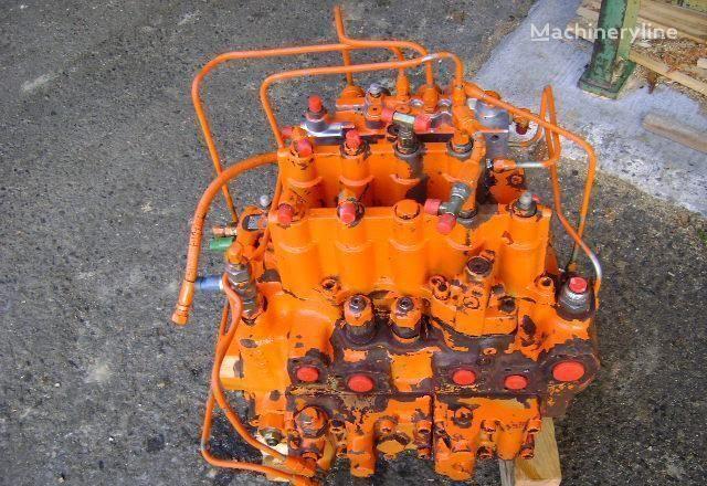 razvodnik paljenja  Distributor za bagera FIAT-HITACHI EX 235