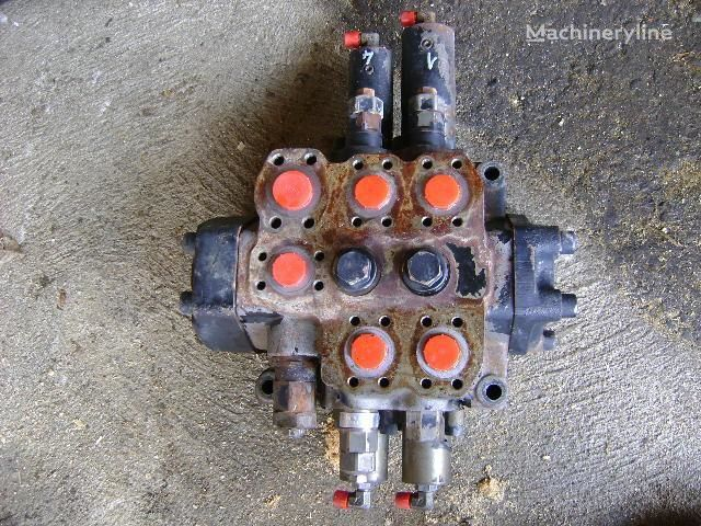 razvodnik paljenja  Distributor za bagera FIAT-HITACHI W 190 Evolution