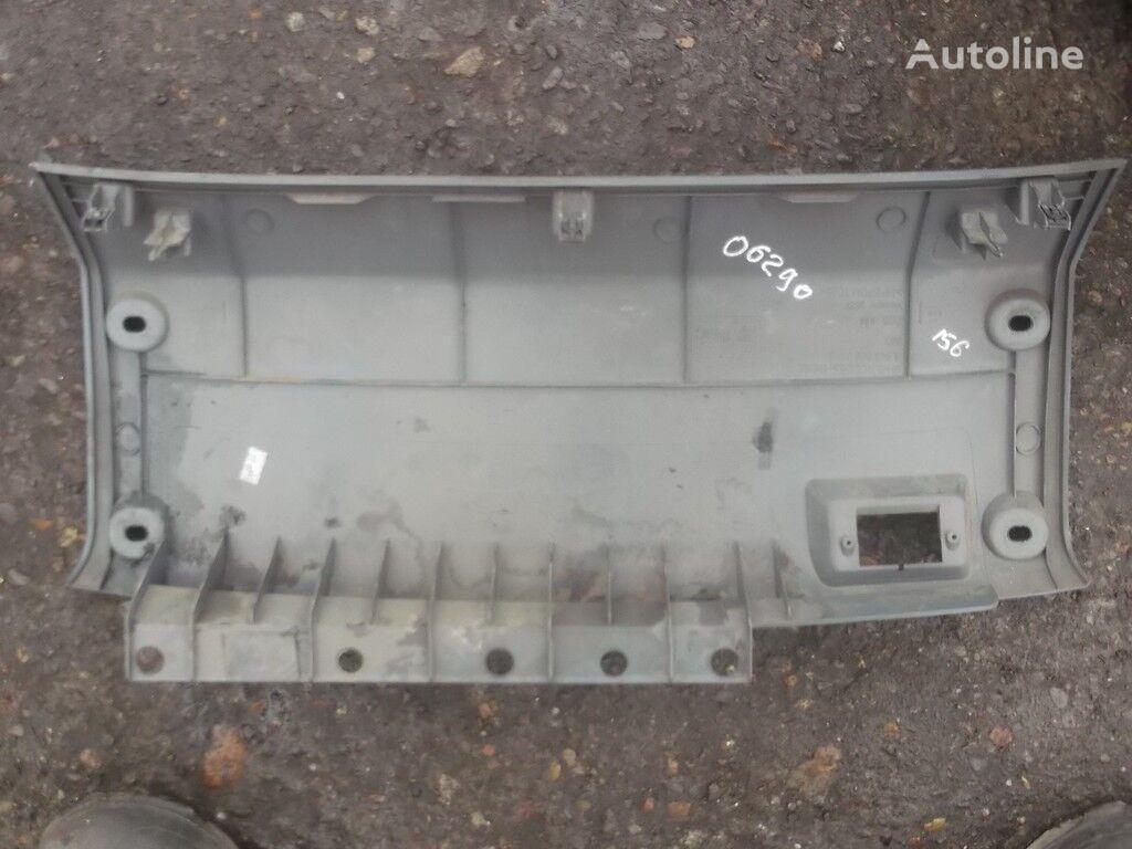 rezervni delovi  Obshivka peredney paneli snizu Mercedes Benz za kamiona