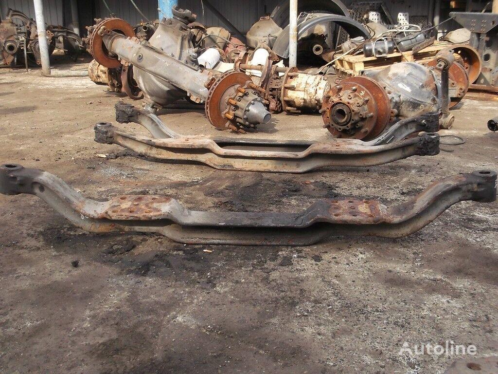 rezervni delovi  Balka perednyaya poperechnaya Volvo za kamiona