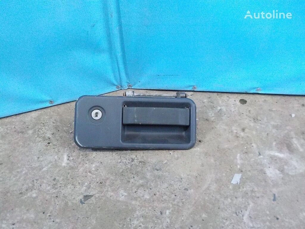 rezervni delovi  Ruchka dveri LH Volvo za kamiona