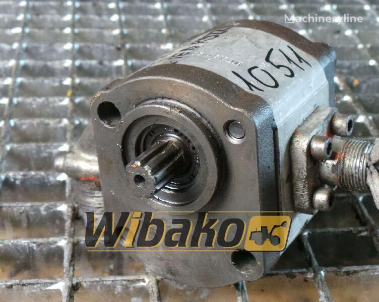 rezervni delovi  Gear pump Bosch 0510515008 za bagera 0510515008