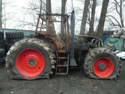 rezervni delovi  b/u zapchasti / used spare parts za traktora CLAAS ARES 836