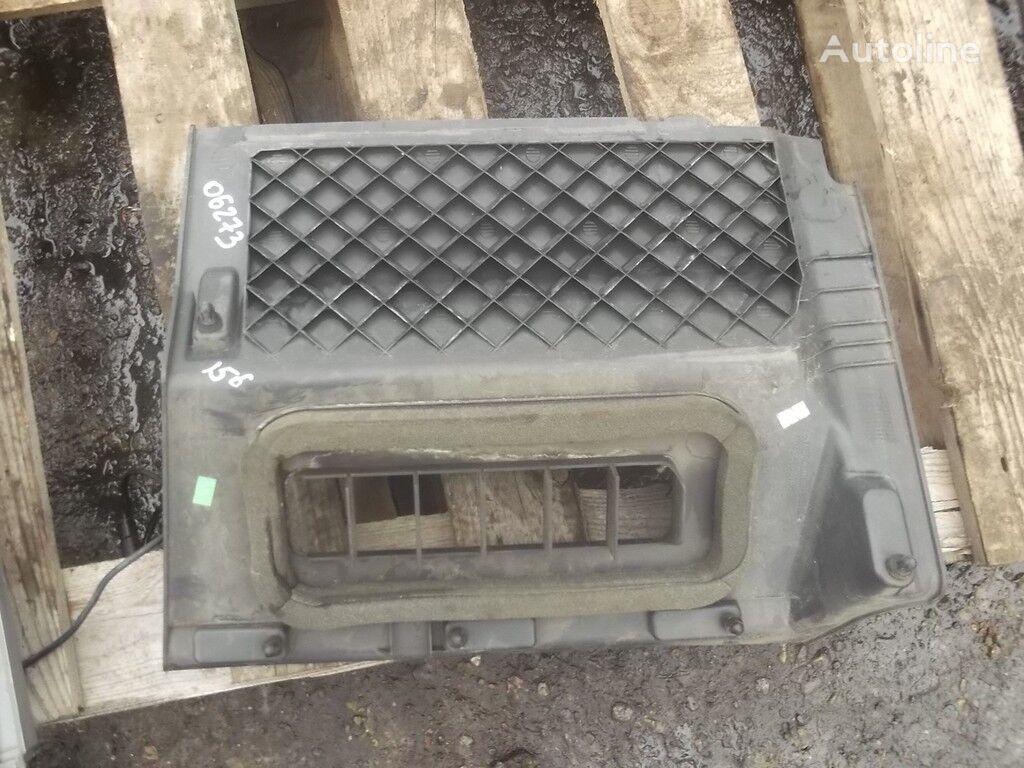 rezervni delovi Obshivka dlya nog speredi sprava  MERCEDES-BENZ za kamiona MERCEDES-BENZ