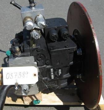 rezervni delovi  Hydrostatické čerpadlo Sauer-Danfoss za utovarivača točkaša MERLO
