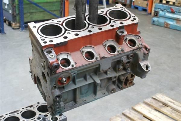 sklop cilindara za druge građevinske opreme DEUTZ BF4 M BLOCK