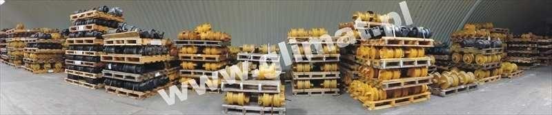 novi vučeni valjak za građevinske mašine HANOMAG D600