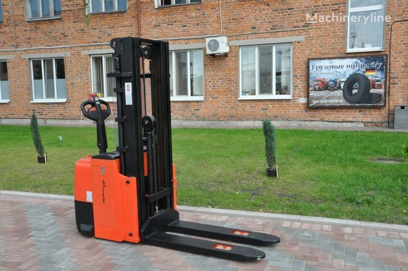 novi paletni viljuškar Leistunglift WS1243T
